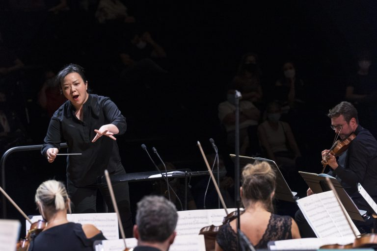 Final of the Maestra competition with Rebecca Tong. The Maestra, 1st edition of the International Conductors Competition.  Twelve candidates conduct the Paris Mozart Orchestra during the semifinals and finals of the competition which takes place from 14 to 18 September 2020 at the Philharmonie de Paris. Paris, September 18, 2020. Final du concours de la Maestra avec Rebecca Tong. La Maestra, 1ere edition du Concours International de Cheffes d Orchestre. Douze candidates dirigent l orchestre du Paris Mozart Orchestra durant les demies-finales et finales du concours qui se tient du 14 au 18 Septembre 2020 a la Philharmonie de Paris. Paris, le 18 septembre 2020.